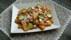 Pasta con prosciutto zucchine e mozzarella