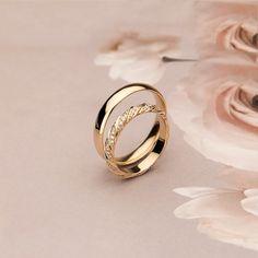 Wedding Ring For Him, Wedding Rings For Women, Wedding Men, Rings For Men, Beautiful Wedding Rings, Diamond Wedding Rings, Timeless Wedding, Celtic Wedding Rings, Couple Ring Design