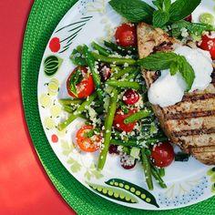 Raikas couscoussalaatti Ras El Hanout, Couscous, Cobb Salad, Meat, Chicken, Food, Hands, Essen, Meals