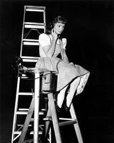 "Debbie Reynolds on the set of ""Tammy and the Bachelor"""