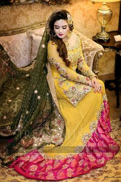 I love this Mayon dress Pakistani Mehndi Dress, Bridal Mehndi Dresses, Pakistani Wedding Outfits, Pakistani Wedding Dresses, Bridal Outfits, Indian Dresses, Mehendi, Mayon Dresses, Mehndi Hairstyles