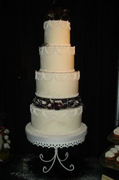 Hallowedding Wedding Cake