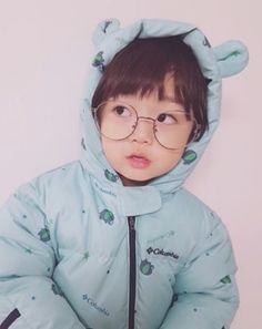 What a cute baby boy♥♥♥ Cute Asian Babies, Korean Babies, Asian Kids, Cute Babies, Cute Baby Boy, Cute Little Baby, Cute Boys, Baby Girl Pictures, Baby Photos