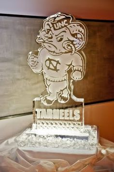 Mascot Ice Sculpture (Photo by Neil Boyd Photography)
