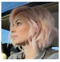 Latest Most Popular and Hottest Bob Haircuts & Hairstyles Inspirations for For getting a fresh new look, here are the hottest bob hair inspirations. Latest most popular bob hairstyles for you to try. Bob hairstyles really l. Mid Hairstyles, Pretty Hairstyles, Natural Hairstyles, Teenage Hairstyles, Hairstyle Ideas, Newest Hairstyles, 2017 Hairstyle, Fashion Hairstyles, Layered Hairstyles