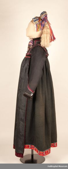 Bunad - Hallingdal Museum / DigitaltMuseum Folk Costume, Costumes, Museums, Norway, Duster Coat, High Waisted Skirt, Textiles, Skirts, Jackets