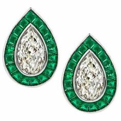 For Sale on - This fabulous pair of platinum earrings feature sparkling pear shape diamonds that weigh approximately graded K-L color with clarity. Platinum Earrings, Gold Drop Earrings, Women's Earrings, Diamond Earrings, Earrings Online, Diamond Tops, Pear Shaped Diamond, Diamond Shapes, Jewelry Box