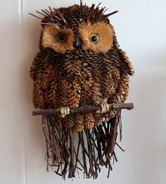 Pine Cones, Buddha, Diy And Crafts, Owl, Bird, Halloween, Animals, Fabric Samples, Tejidos