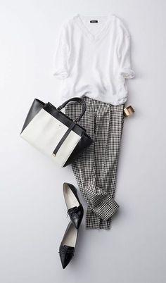 Minimalist Fashion Tips: 24 Womens Minimal Outfits - Biseyre Mode Outfits, Casual Outfits, Fashion Outfits, Womens Fashion, Fashion Trends, Fasion, Office Fashion, Work Fashion, Fashion Looks