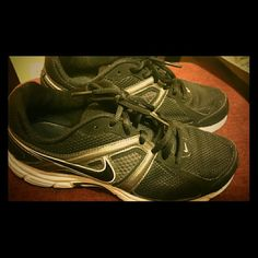 Nike tennis shoes. In good condition, tennis shoes are comfortable. A must have :)
