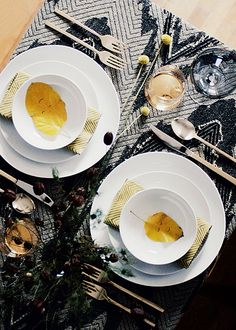 Thanksgiving table | Old Brand New via Design*Sponge