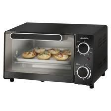 Hot Products Sunbeam Toaster Oven, Black of goods not only practical and economical stylish too Available with a variety of most popular features this handy microwave is well suited for the dorm room office cottage or kitchen You buy Sunbeam 6 Slice Toaster, Smeg Toaster, Toaster Ovens, Cool Kitchen Gadgets, Small Kitchen Appliances, Cool Kitchens, Kitchen Small, Cheap Toaster, Toaster Oven Cooking