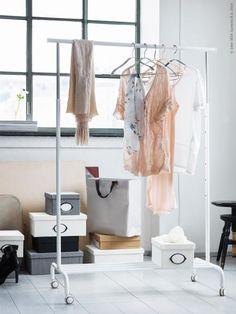 IKEA Rigga Clothing Rack. SEK 129