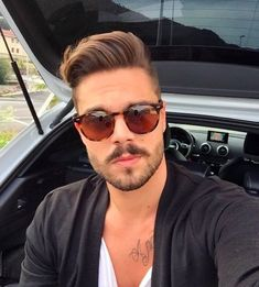 Have a nice evening! Mens Hairstyles With Beard, Hair And Beard Styles, Hairstyles Haircuts, Haircuts For Men, Hair Styles, Hair Comb, Bearded Men, Hair Trends, Stylists
