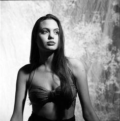 Angelina Jolie aos 16 anos