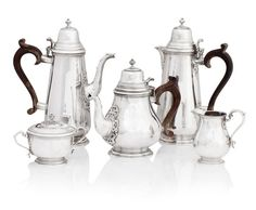 A five piece silver tea and coffee service  by H.Haviland-Nye, London 1973