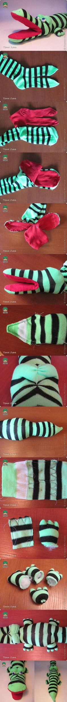 DIY Sock Crocodile Stuffed Animal #diy children #playtime kids #artwork Visit www.circu.net                                                                                                                                                      Más