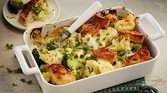 Kahden kaalin gratiini Finnish Recipes, Cauliflower Recipes, Tex Mex, Bon Appetit, Smoothie, Good Food, Baking, Vegetables, Eat