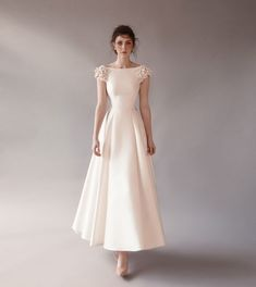 Chana Marelus gown sold at Spina Bride in NYC. Civil Wedding Dresses, Dream Wedding Dresses, Bridal Dresses, Wedding Gowns, Bridesmaid Dresses, Prom Dresses, Elegant Dresses, Pretty Dresses, Beautiful Dresses