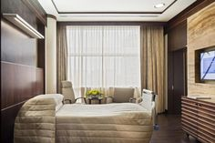 A deluxe patient room at MNH. Photo: Owen Raggett