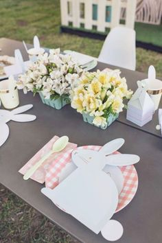 Take a look at this adorable Spring themed Easter party! The table settings are so pretty!! See more party ideas and share yours at Catchmyparty.com #catchmyparty #partyideas #spring #springparty #easter #easterparty Easter Dinner, Easter Party, Animal Birthday, Girl Birthday, Animal Cakes, Centerpieces, Table Decorations, Spring Party, For Your Party