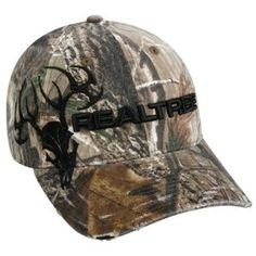 This Realtree hunting hat works great for hunting season i have one that looks a lot like it and it works Hunting Hat, Hunting Clothes, Hunting Stuff, Camo Hats, Cowgirl Hats, Country Hats, Country Girls, Country Life, Camo Outfits
