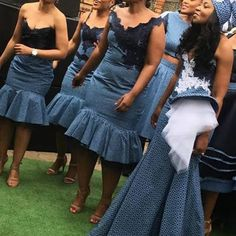 African Bridesmaid Dresses, African Wedding Attire, African Attire, African Dress, African Traditional Wedding, Traditional Wedding Dresses, African Women, African Fashion, Women's Fashion