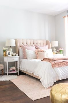 Check these 33 best bed headboard ideas out! There's more of these and plenty other outstanding ideas at glamshelf.com #homedesign #bedroomideas #bedroomgoals