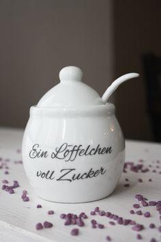 """Zuckerdose à la Mary Poppins mit dem Aufdruck """"Ein Löffelchen voll Zucker"""" / sugar box with famous Mary Poppins quote made by Die_Design_Manufaktur via DaWanda.com"""