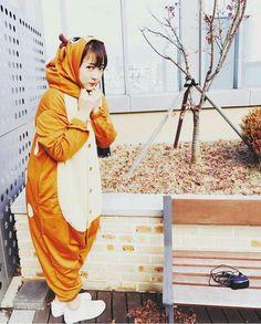 No one can cute than she South Korean Girls, Korean Girl Groups, Boy Groups, Hani, Lego, Fandom, Reaction Pictures, Boy Fashion, Kpop Girls