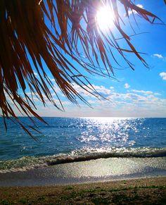 Si marea albastra iti asterne in gand, Raspunsul la tot, fie soare sau vant.