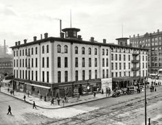 "Minneapolis, Minnesota, circa 1905. ""Hotel Nicollet, Nicollet & Washington Avenues.""  Shorpy Historic Picture Archive"