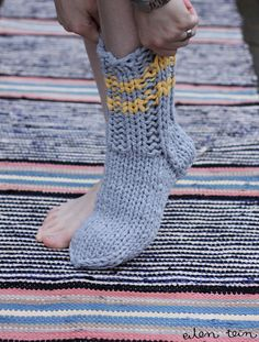 eilen tein: saunasukat Crochet Stitches, Knit Crochet, Socks, Knitting, Fashion, Moda, Tricot, Fashion Styles, Breien
