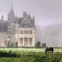 A chateau near Nantes, France : La Gacherie Brouillard Oh The Places You'll Go, Places To Travel, Travel Destinations, Beautiful World, Beautiful Places, Amazing Places, Photo Chateau, Nantes France, Famous Castles