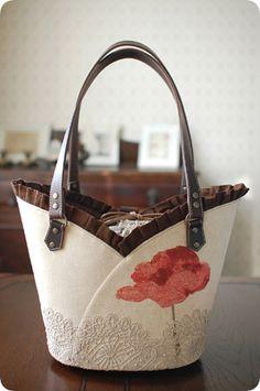 Handmade Fabric Purses, Handmade Bags, Bag Pattern Free, Bag Patterns To Sew, Patchwork Bags, Quilted Bag, Japanese Bag, Potli Bags, Denim Tote Bags