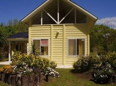 Bonita casa caribeña http://venta-casas.vivavisos.com.ar/compra-casas+costa-del-este/casa-caribena--en-costa-del-este-sobre-lote-de-560-m2/37500977
