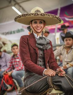 Mexican Costume, Mexican Outfit, Mexican Rodeo, Beautiful Mexican Women, Caucasian Race, Cowboy Photography, Costumes Around The World, Mexican Fashion, Formal