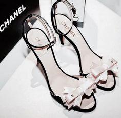 10a26742b Pinterest  fatimagomeze Sapatos De Grife