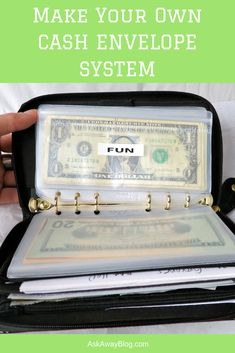 If you're looking for a step by step way to make a cash envelope system, look no further. This post will walk you through how to set up an envelope system and how to use it everyday. A Look at My Filofax Budget Envelope System Jennifer Fox Filofax, Budget Envelopes, Money Envelopes, Cash Envelope Budget, Diy Cash Envelope Wallet, Cash Wallet, Money Saving Challenge, Money Saving Tips, Savings Challenge