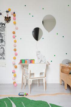 Gekleurde lichtballen fleuren ons huis op – Mamamosi