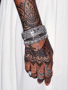Rihanna's diamond braclets & rings