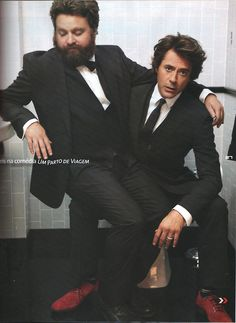 Zach Galifianakis & Robert Downey Jr.  Look at those two cuties! :D