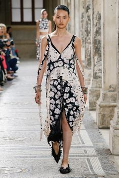Proenza Schouler Spring 2018 Ready-to-Wear Fashion Show Collection