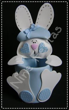 Make it in blue, pink, purple or yellow. Handmade Crafts, Diy And Crafts, Crafts For Kids, Arts And Crafts, Spring Crafts, Holiday Crafts, Easter Bunny, Easter Eggs, About Easter