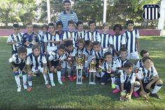 Talleres se quedó con el Mundialito de Noetinger en las categorías 2006 y 2007 Club Atlético Talleres  Cuatro equipos de Talleres representaron a nuestro Club en el Mundialito de Noetinger en las categorías 2006 y 2007. Nuestros juveniles fueron los que definieron el torneo en ambas divisiones. Repasamos los marcadores y goleadores de este gran desempeño de los más chicos de la T.  Categoría 2007  Cuartos de Final  Talleres Azul 0  Central 0 (Talleres ganó en penales 5-4) Talleres Blanco 3…