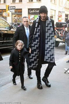Time to celebrate! Victoria Beckham changes into stripe midi-dress and knee-high boots as she joins her family for lunch after triumphant NY Fashion Week show David Beckham News, David Und Victoria Beckham, Vic Beckham, David Beckham Style, Harper Beckham, Bend It Like Beckham, Ny Fashion Week, New Fashion, Knee High Boots Dress