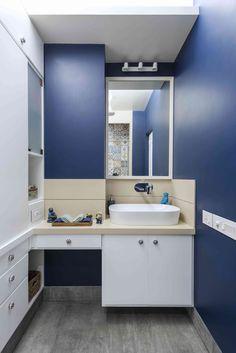 Aqua bathroom - Ar. Puran Kumar