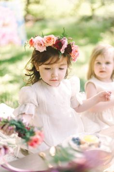 Flower girl picnic | Wedding & Party Ideas | 100 Layer Cake