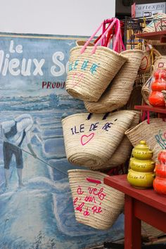 Beach bags - baskets from Ile de Re - From Ezter with Love French Baskets, French Lifestyle, Basket Liners, Eat Pray Love, Market Baskets, Basket Bag, Summer Accessories, Hippie Style, All The Colors
