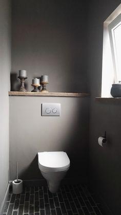 graues Gäste-WC, kleines Bad, grau, simple, modern